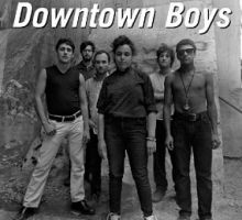 Dancing in the Dark - El loco baile en la oscuridad de los Downtown Boys